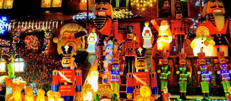 Where to See Brooklyn's Amazing Dyker Heights Christmas